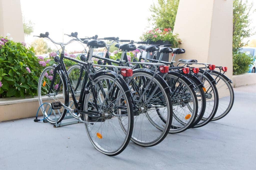 rent bike hotel San Teodoro